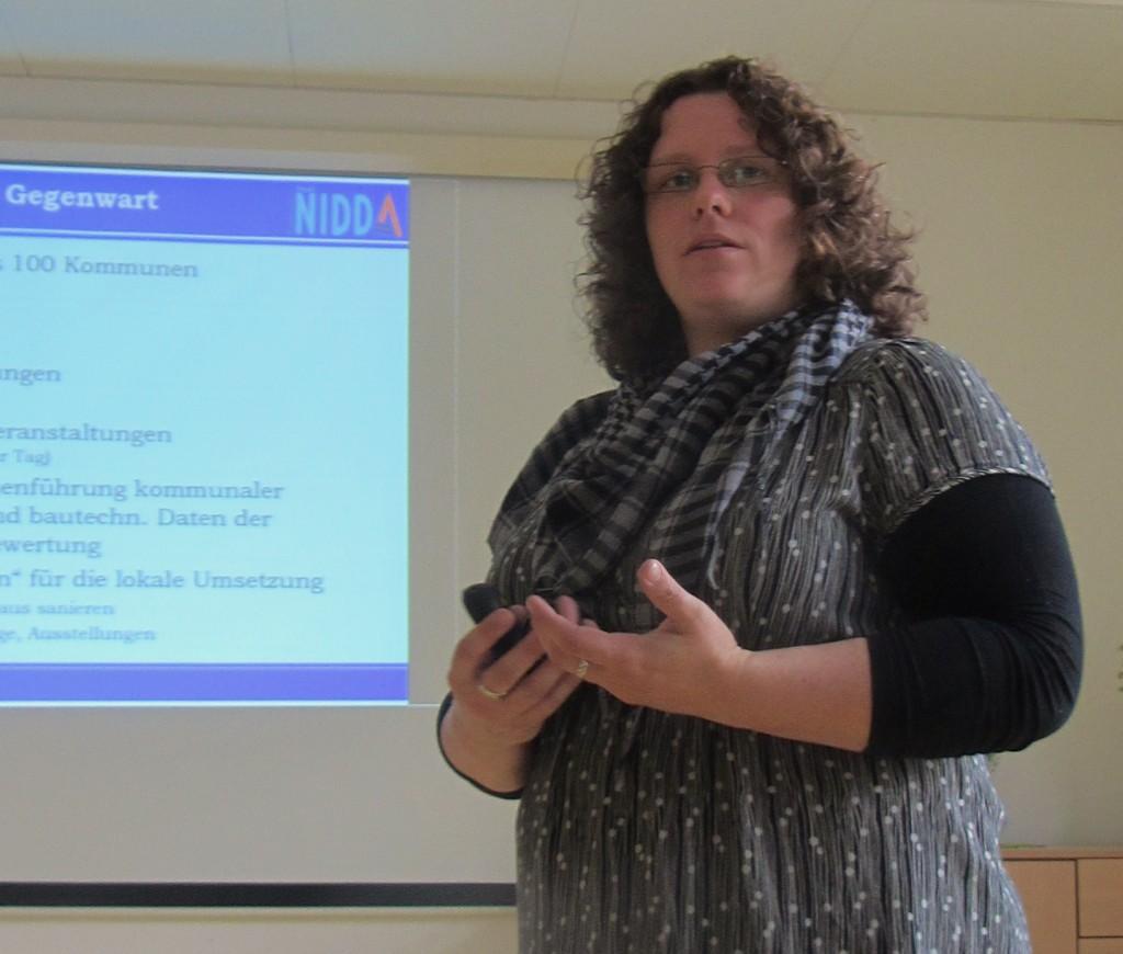 Die Klimaschutzbeauftragte Birgit Herbst informiert  über das Klimaschutzkonzept der Stadt Nidda
