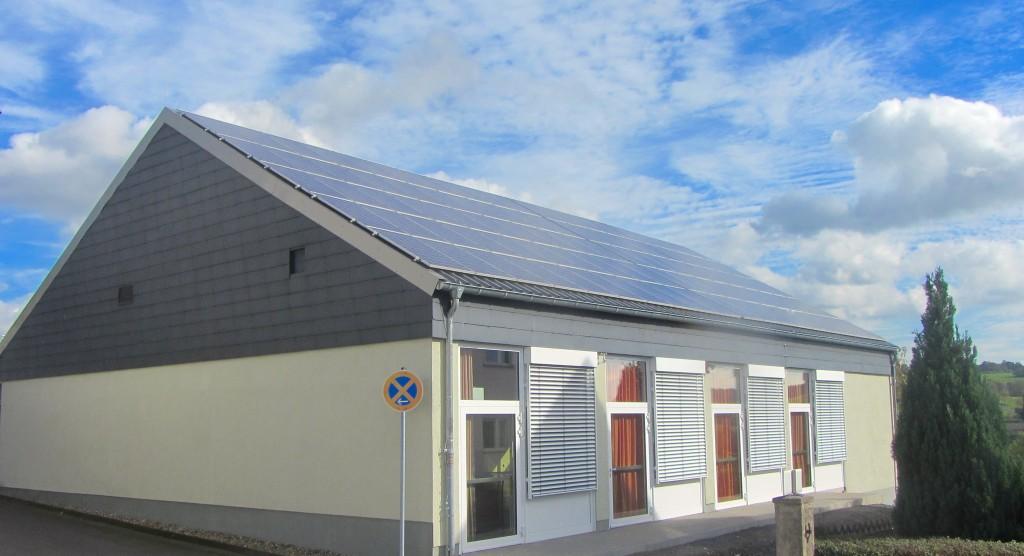 Neue Photovoltaik-Anlage auf dem DGH Eschenrod
