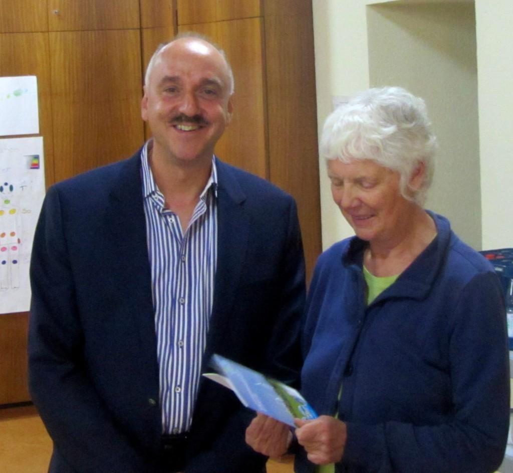 Referent Martin Rühl mit der Vereinsvorsitzenden Jutta Kneißel