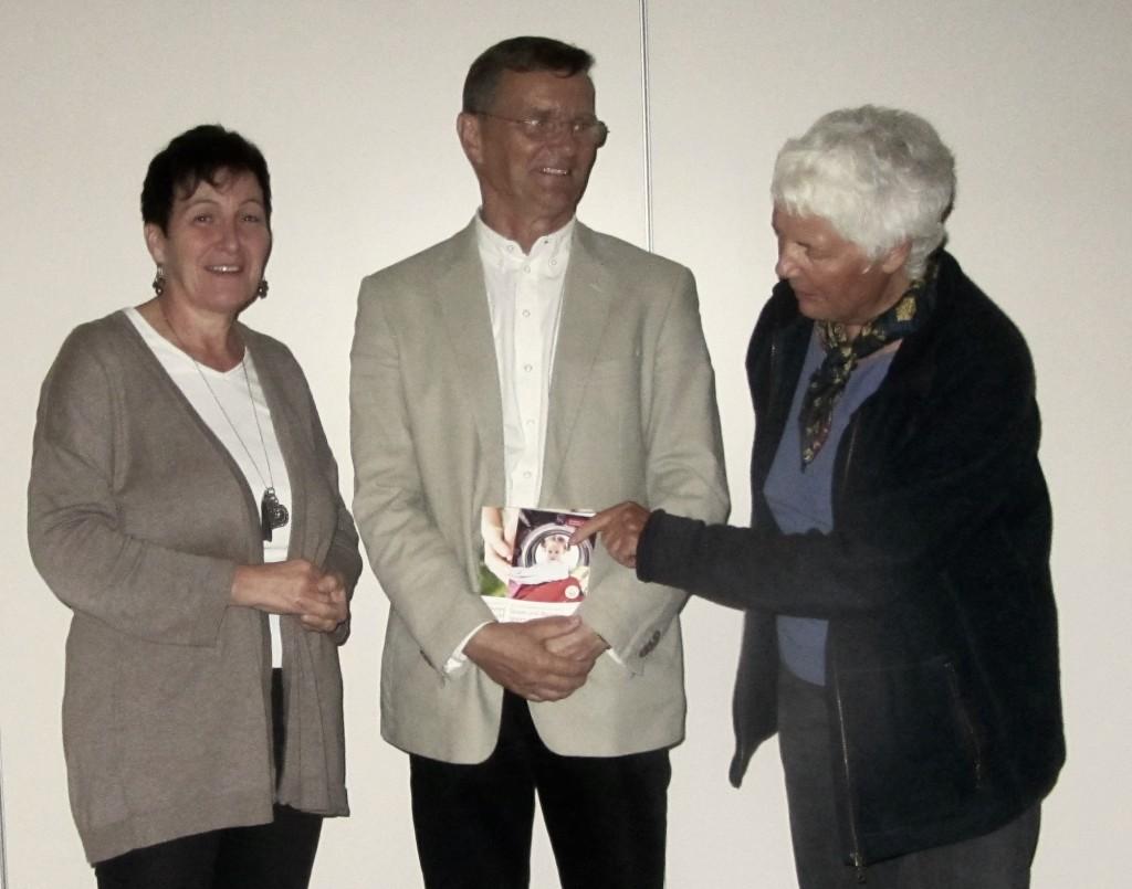 Schottens Bauamtsleiterin Elke Högy, Referent Udo Berger und die EES-Vorsitzende Jutta Kneißel (von links)
