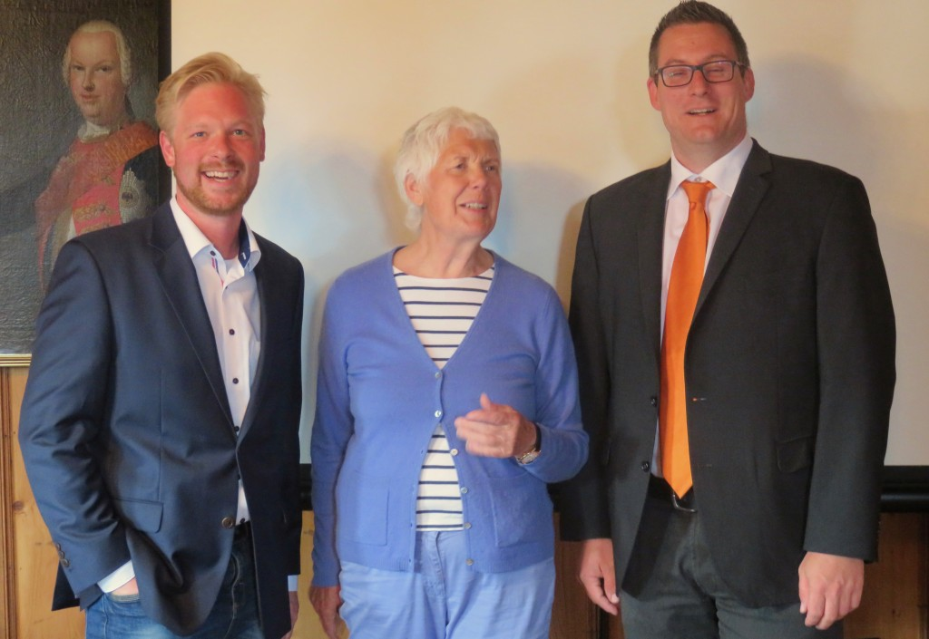 EES-Vorsitzende Dr. Jutta Kneißel mit den Referenten Patrick Eichelmann (links) und Andreas Biermann