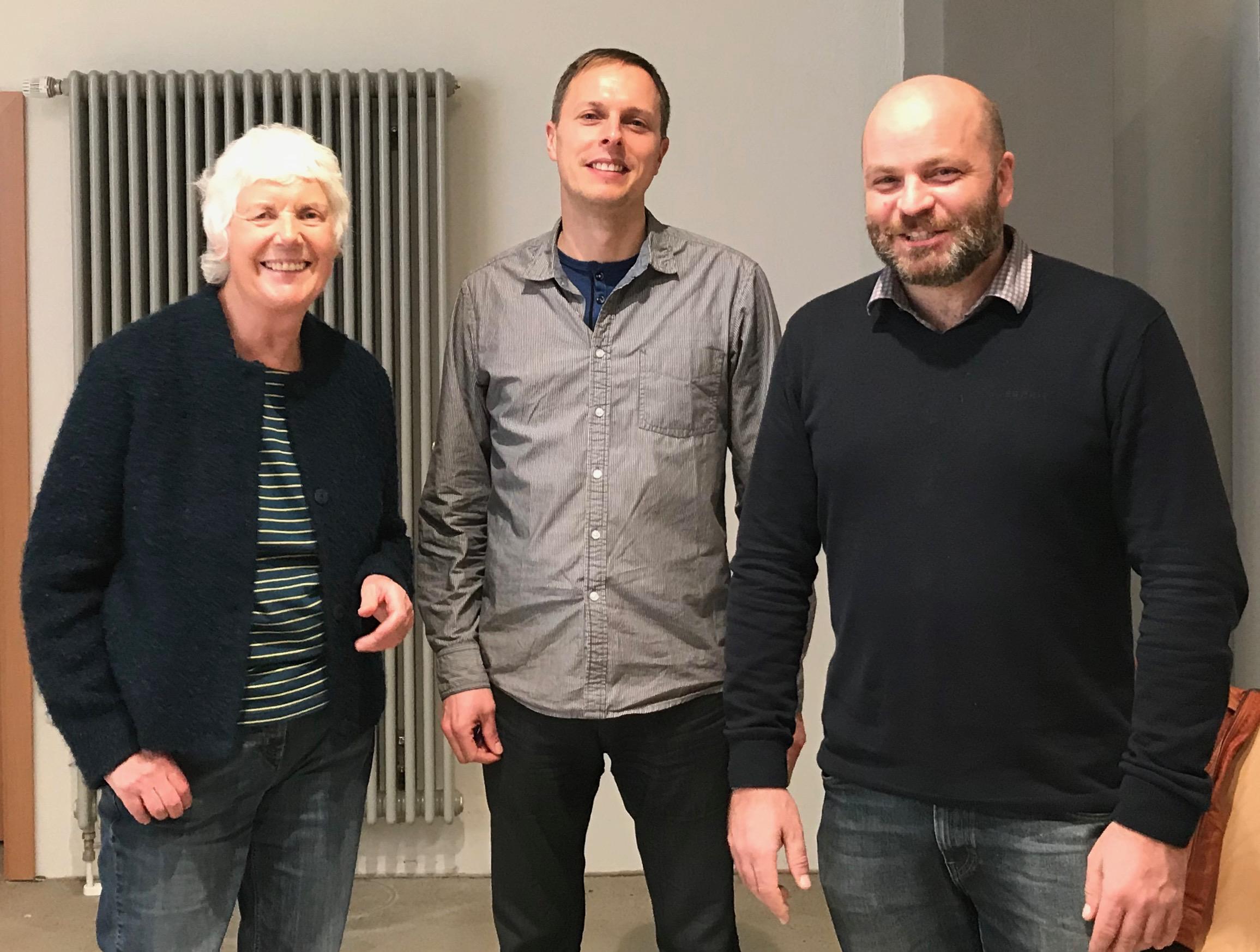 Jutta Kneißel und Peter Glasstetter mit dem Referenten Andreas Hoy (Mitte)